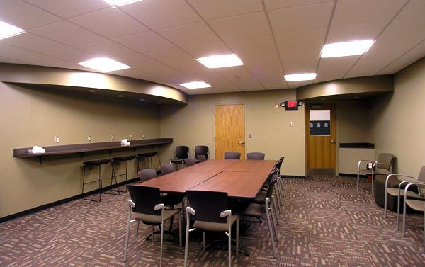 Forreston-Media-Room-3